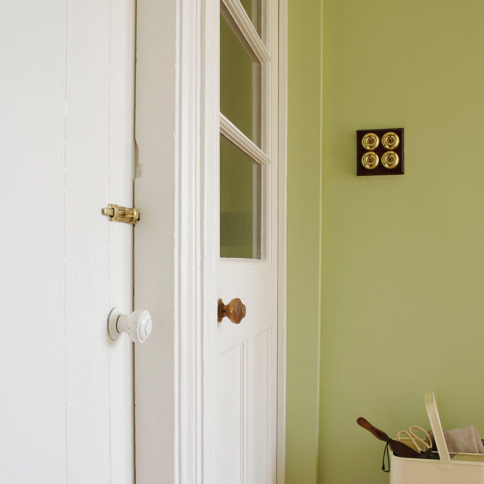 eau de nil 90 l 39 atelier des couleurs. Black Bedroom Furniture Sets. Home Design Ideas